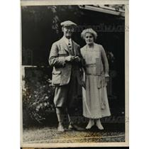1924 Press Photo Professor & Mrs WL Carlyle caretakers of Prince of Wales ranch