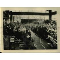 1930 Press Photo Calif shop men of NY Central lines get safety speech on radio