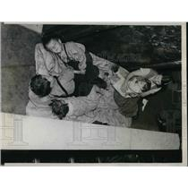 1936 Press Photo St Louis Mo Photo shows mother and 4 children members of a