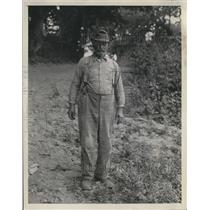 1930 Press Photo Chas Ashley Williams in White Ferry