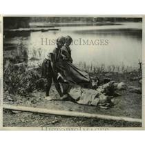 1932 Press Photo Camp Fire girls  at Lake Cohaset NY P Borshe, R Shepard