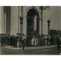 1924 Press Photo Union Station in Wash DC crowds at the building