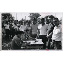 1971 Press Photo Striking workers at Fawick Airflex Division