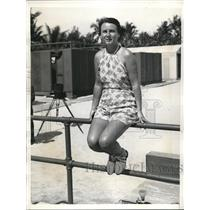1935 Press Photo Mrs. Pierre Willis Photographed At Sea Spray Beach