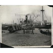 1926 Press Photo Milled timber unloaded at an English dock