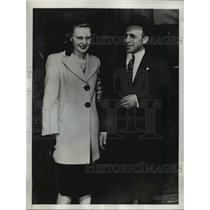 1946 Press Photo Ottawa Canada Dr & Mrs David Shugar, espionage charge