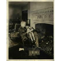1932 Press Photo Phillips H Lord on Dr matthews on NBC-WJZ network