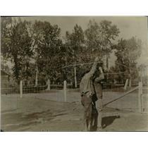 1924 Press Photo Cowboys twirling rope - nex21077