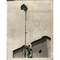 1927 Press Photo Alvin Shipwreck Kelly on top of flagpole at St Francis Hotel