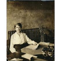 1919 Press Photo Elizabeth K. Eckert, Assistant Office Manager