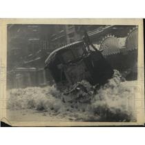 """1923 Press Photo New York 1st Blizzard, 60 mile gale winds, 9""""snow crippled city"""