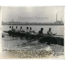 1928 Press Photo Harvard frosh crew at practice on the river - nes21919