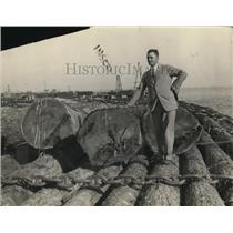 1926 Press Photo Lumber Dickload and large Hains
