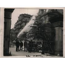 1920 Press Photo Washington DC fire department building wash down