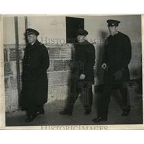 1930 Press Photo Coast Guard Captain Paul Forner, Rudolph Thompson, Asa Emis