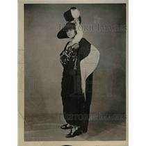 1922 Press Photo Black georgette & Spanish lace by the London Viola shop