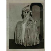 "1923 Press Photo Ms. Lilian Davies as Polly in Gay's New Production ""POLLY"""