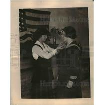 1919 Press Photo Marguerite L. Smith Presenting Trophy to YWCA's Helen Locke