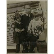 1920 Press Photo W.M. Merriman & children Annabelle & William Jr, Garden College