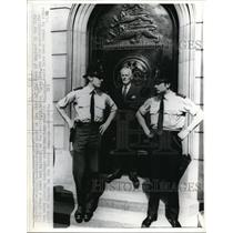 1973 Press Photo Police guard bank of England after bomb goes off