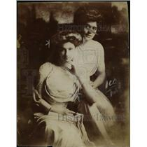 1910 Press Photo Beautiful Daughters of General Von L. Meyer