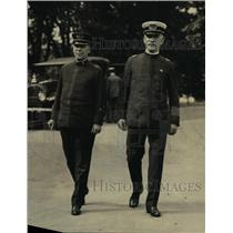 1922 Press Photo George S. Watson and Maj. Daniel Sullivan