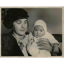 1921 Press Photo Mrs Paul Rose Vittoi and baby Virginia