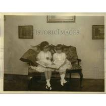 1920 Press Photo Susana and Cecilia, children of Mr Manuel Condra, minister