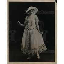 1922 Press Photo Latest Paris Fashion