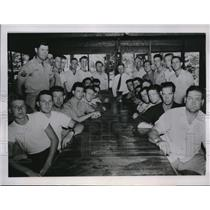 1946 Press Photo Group of veternas who worked to keep Pond River Mine open