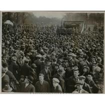 1932 Press Photo Police charge May Day demonstrators with batons when mob