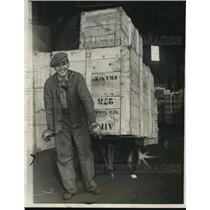 1927 Press Photo Antoine de Malglave & a cart at NYC warehouse