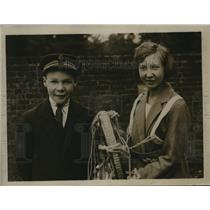 1922 Press Photo Ena Spencer & Frederick Spencer make parachute jump