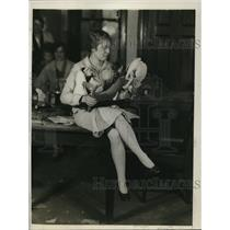 1929 Press Photo Kitty Harp holds some of the articles the teachers made