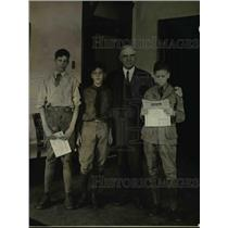 1923 Press Photo David Posker, Theo Kiosch and Frank Brumby, boy scouts shown