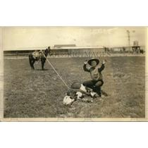 1928 Press Photo Attorney General New Mexico Bob Dow Roping Steer Calf