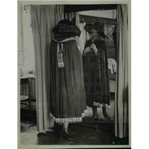 1922 Press Photo Evening cloak with braid trim design by Prayzu