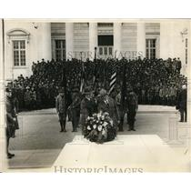 1927 Press Photo Boy scouts pay tribute to the unknown soldier