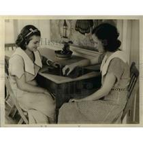 1933 Press Photo Recreation in Blossum Hall School for girls