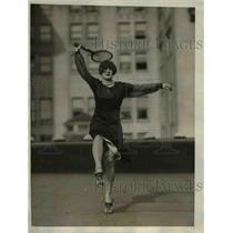 1926 Press Photo Antoinette Pellant of La Calif tennis on roller skates
