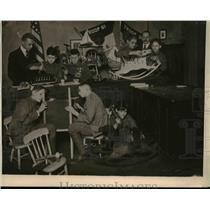 1919 Press Photo Boy Scouts of Cincinnati are here shown repairing broken toys,