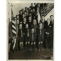 1931 Press Photo Group of boys scouts chorus with the director of the group