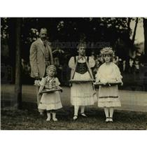 1922 Press Photo Ambassador of Hungary, Count Szechenyi and his children