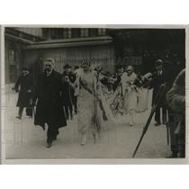 1921 Press Photo Mi Careme Carnival in Paris Yvonne Belou
