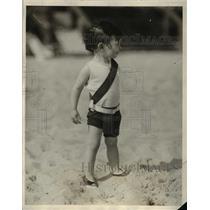 1926 Press Photo New Yorker Joan Sweeney On Palm Beach Sand