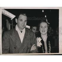 1940 Press Photo Deanna Durbin singing film star and husbanf Vaugh Paul