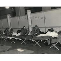 1931 Press Photo Hunger Marchers in Bunks at Public Hall Basement
