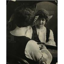 1921 Press Photo Indian circlet & braids for a fashion style