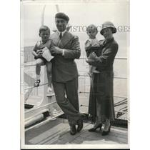 1932 Press Photo Captain William Breyton With Wife And 2 Children