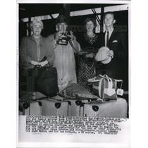 1960 Press Photo Miss Alice Webster with Roy Webster and wife with their son